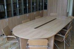 stol-konferencyjny-debowy
